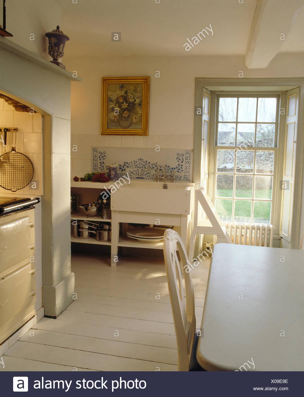 Wunderbar Landhausküche Weiß Das Beste Von Weiß Lackiertes Holz Bodenbelag In Küche Mit