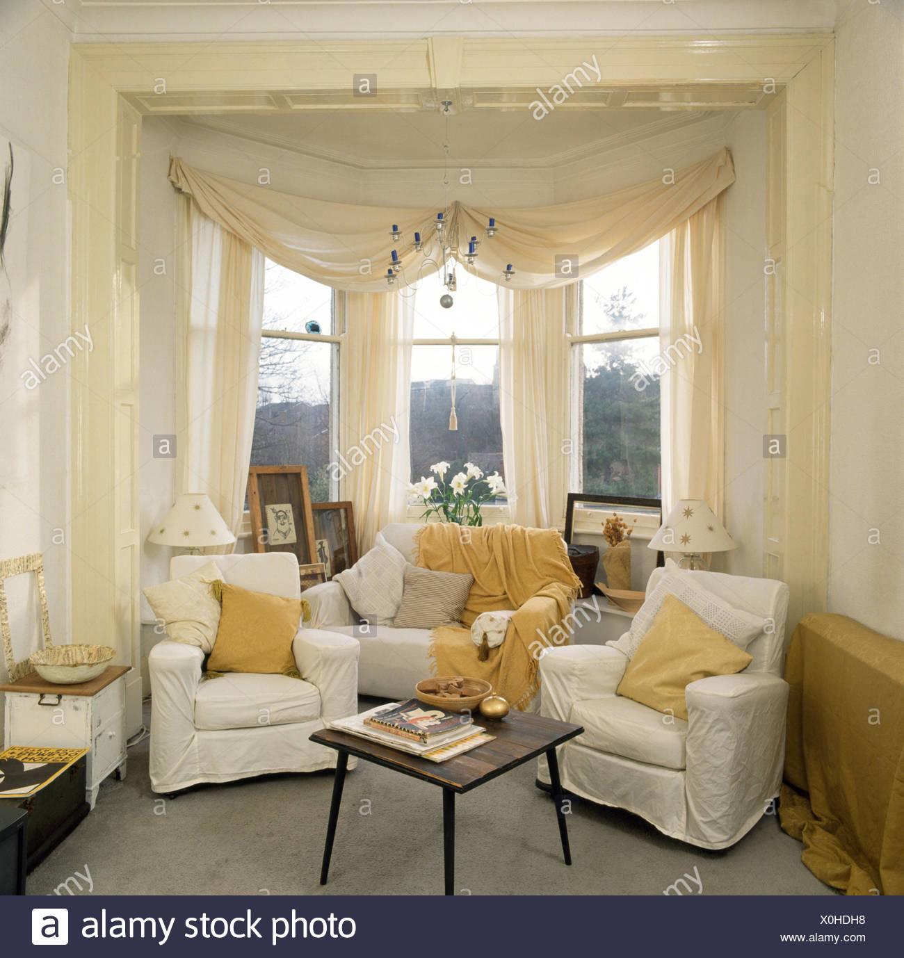 Weie vorhnge wohnzimmer modernes wohnzimmer mit weichen - Erkerfenster vorhange ...
