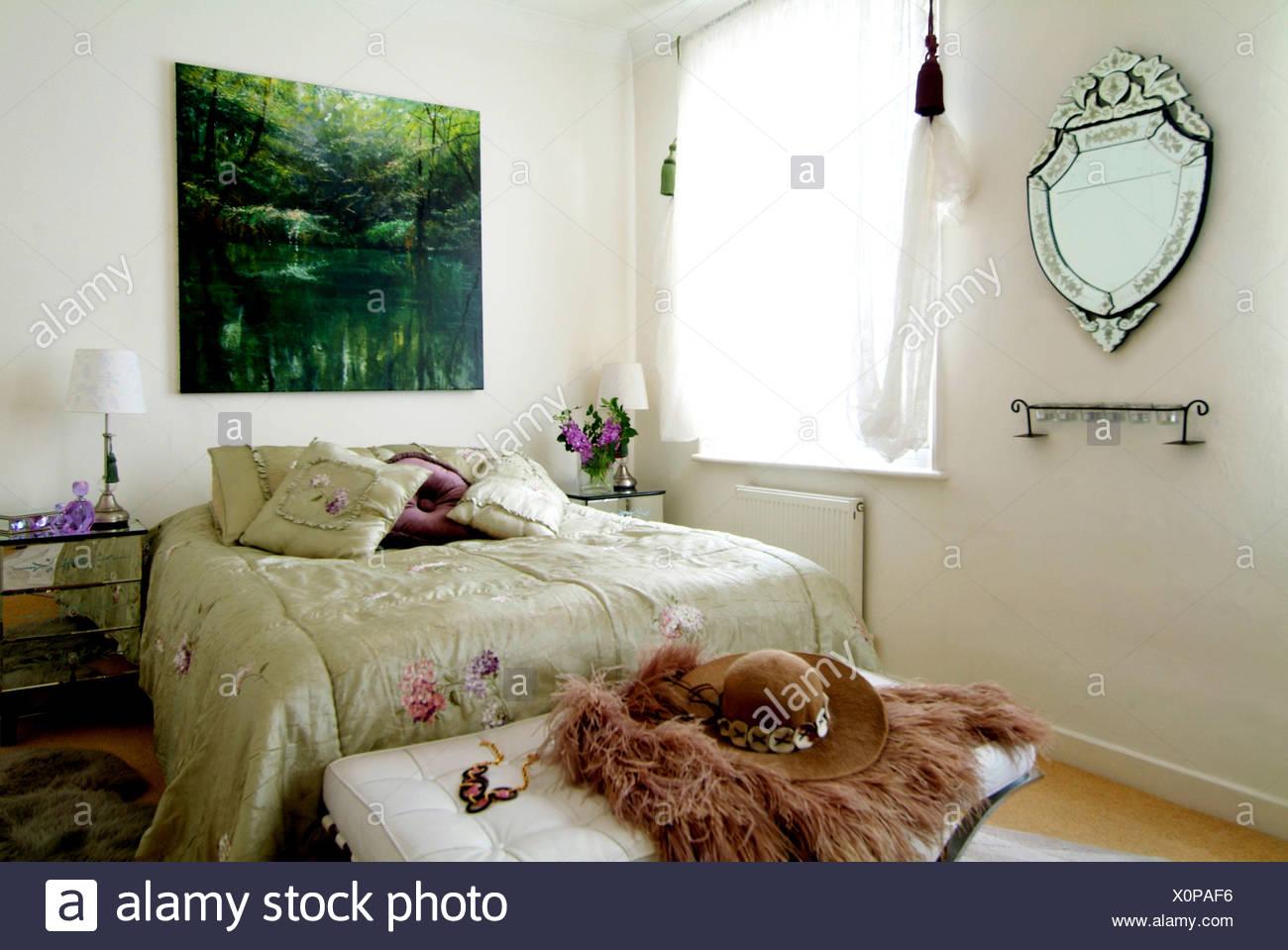 Chelsea Wohnung Schlafzimmer Interiwith ein Natur-Szene-Kunstwerk an ...