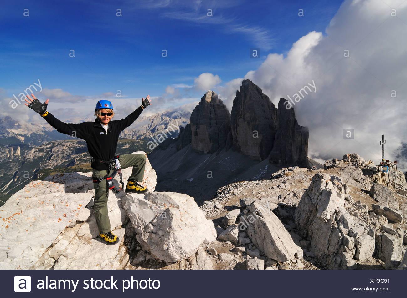 Klettersteig Paternkofel : Teenager auf den paternkofel klettersteig hier stehen dem