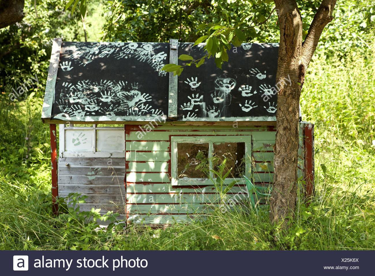 Garten, Kinder Haus, Holzhaus, Hütte, Blockhaus, Garten, Natur, Sommer,  Baum, Gartenhaus, Garten, Haus, Kindheitstraum, Kindheit, Spielhaus, Land,  Spielen, ...