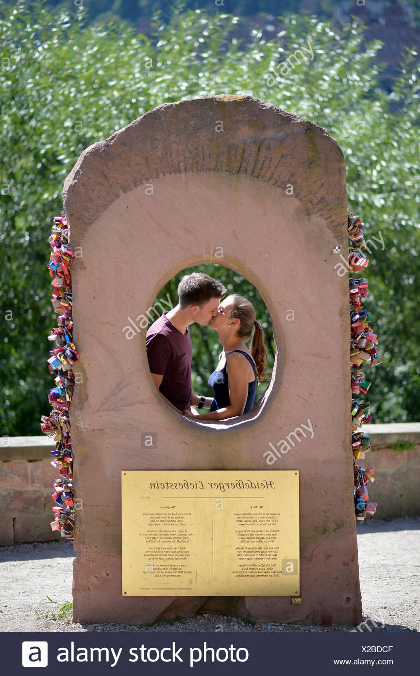 Hinter Der Heidelberger Liebesstein Paar Liebe Stein Heidelberg