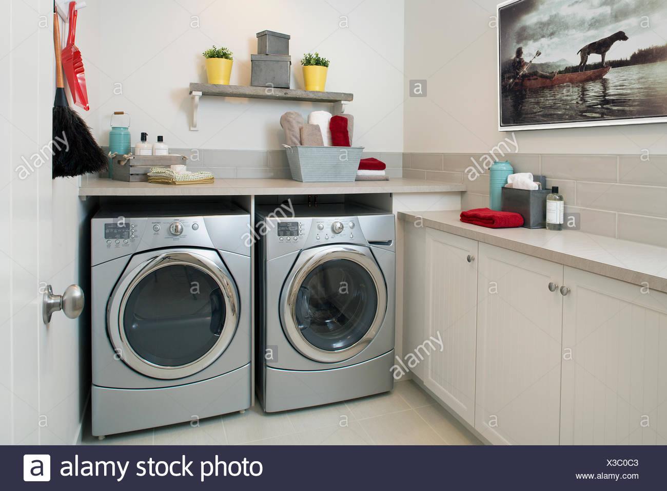 Waschmaschinenschrank verkleidung einbauschrank für ein kleines
