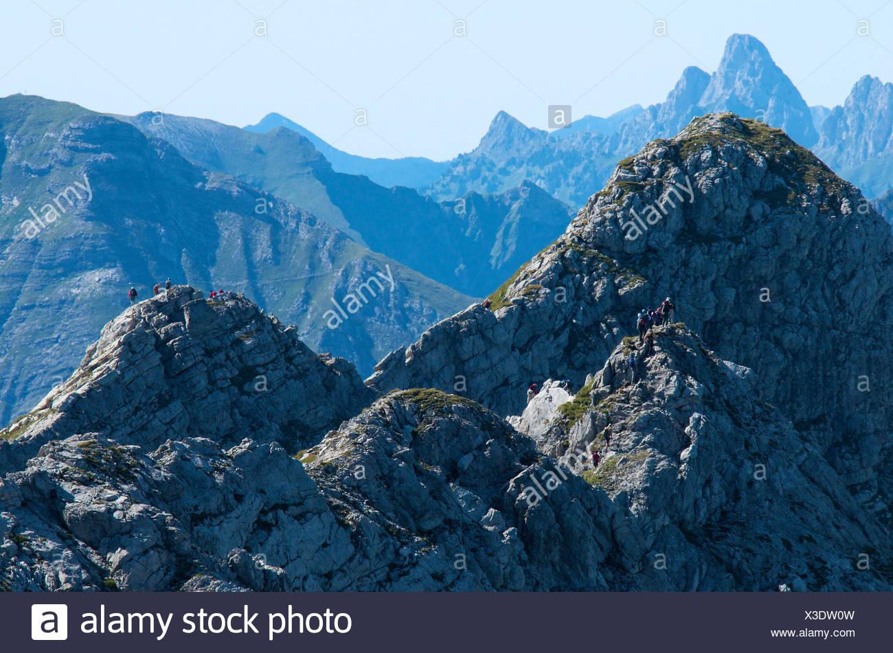 Hindelanger Klettersteig Wengenkopf : Wengenkopf berg auf hindelanger bergstrecke mit festen kabeln und
