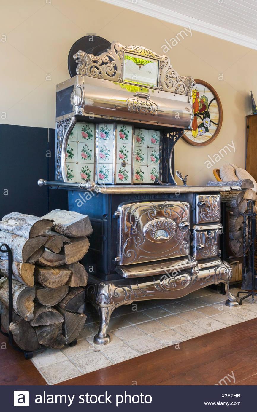 Antik schwarz Gusseisen und Chrom royal Holzofen kochen Ofen in der ...