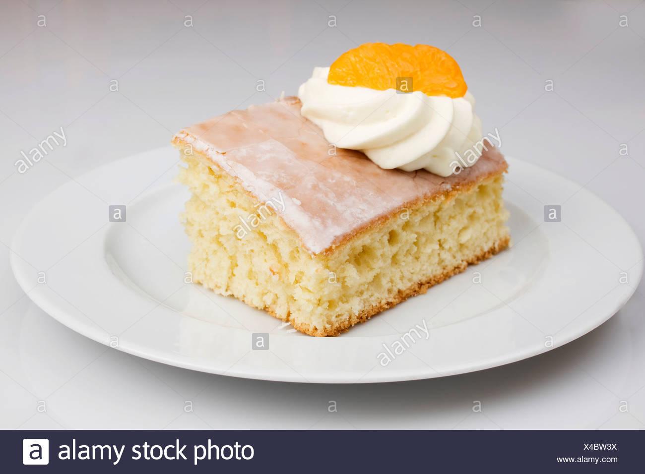 Limo Kuchen Mit Sahne Mandarine Tasse Kaffee Stockfoto Bild