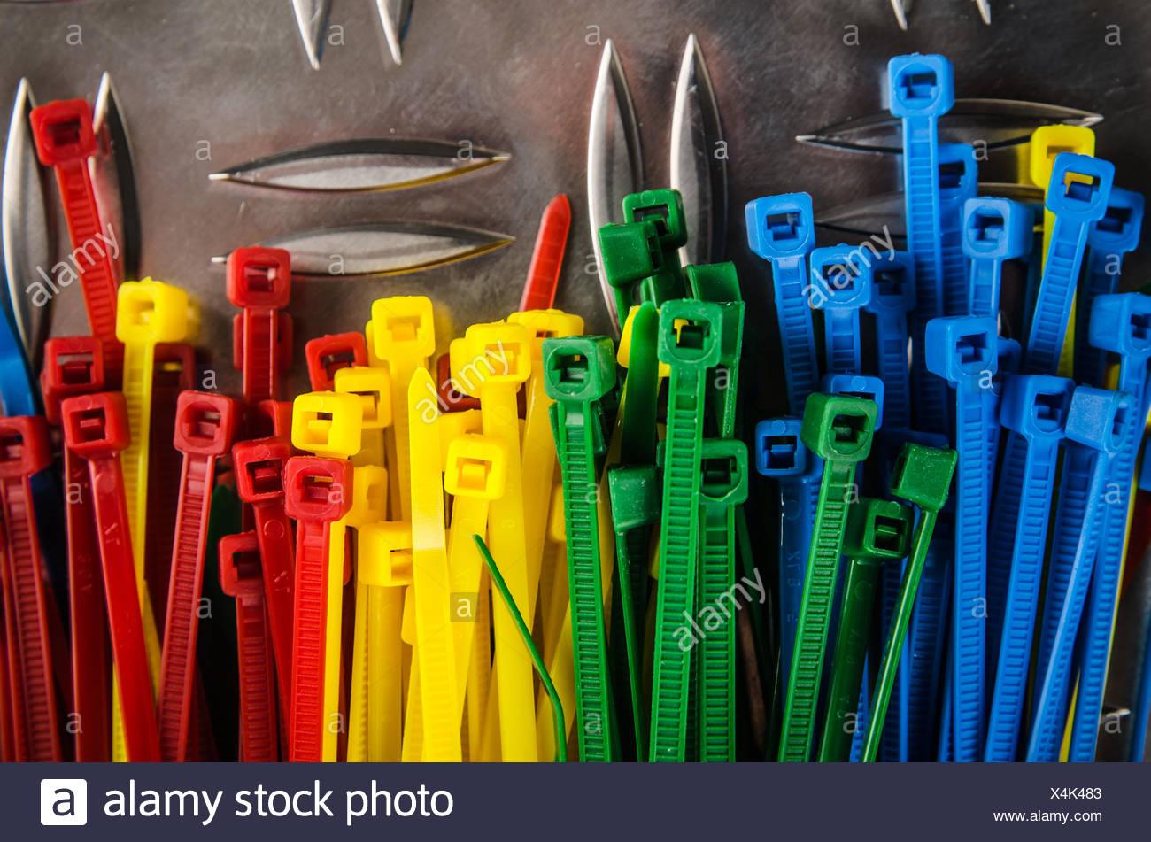 Tolle Farbige Handwerksdraht 24 Gauge Zeitgenössisch - Elektrische ...