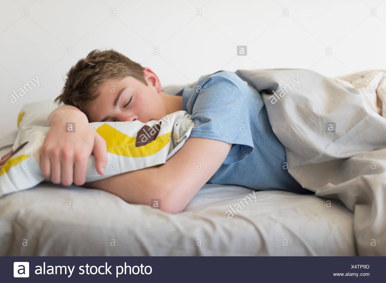 Amüsant Bett Teenager Dekoration Von (16-17) Schlafend Im