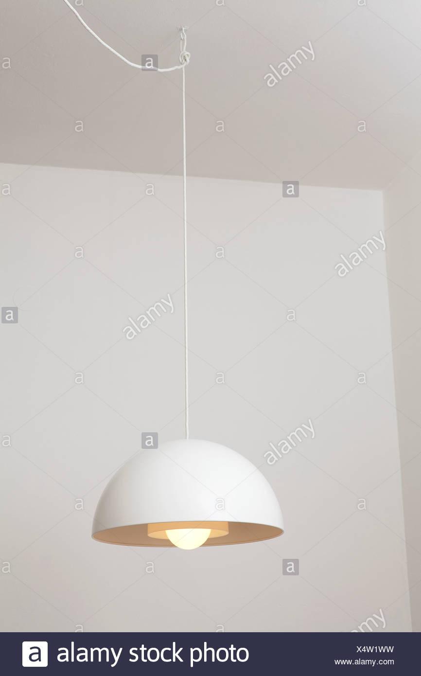 Moderne Weiße Lampe Von Ikea Stockfoto Bild 278374821 Alamy