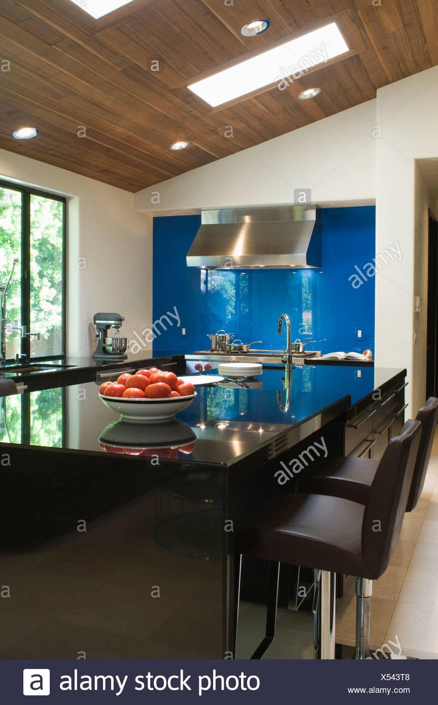 gro artig k che schwarz hochglanz bildergalerie kuche hochglanz putzen kchen schwarz. Black Bedroom Furniture Sets. Home Design Ideas