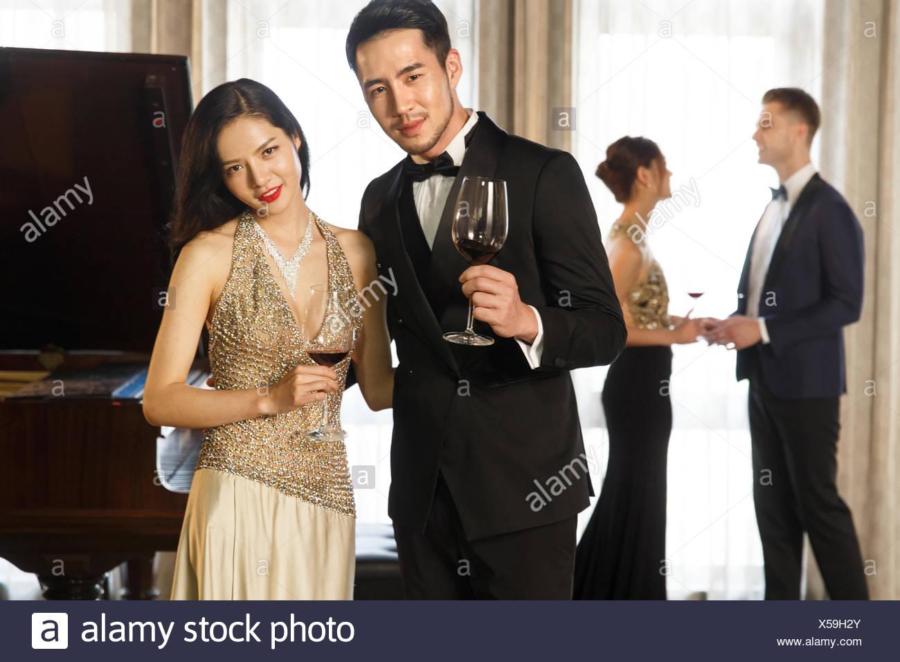 Junge Männer Und Frauen Mode Party Stockfoto Bild 278650147 Alamy