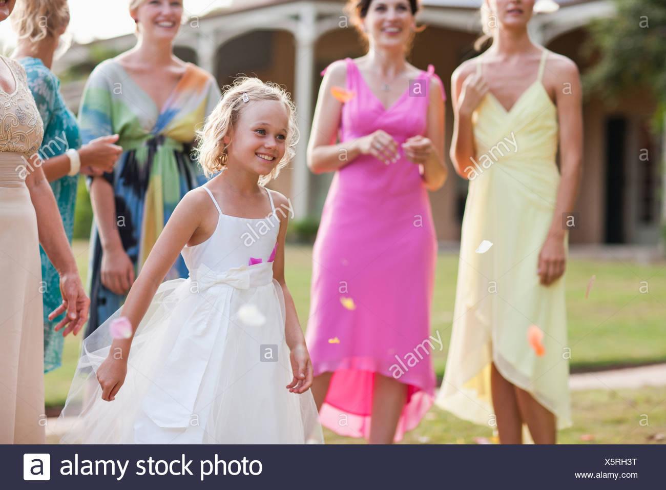 Blumenmadchen Auf Hochzeit Stockfoto Bild 278957500 Alamy