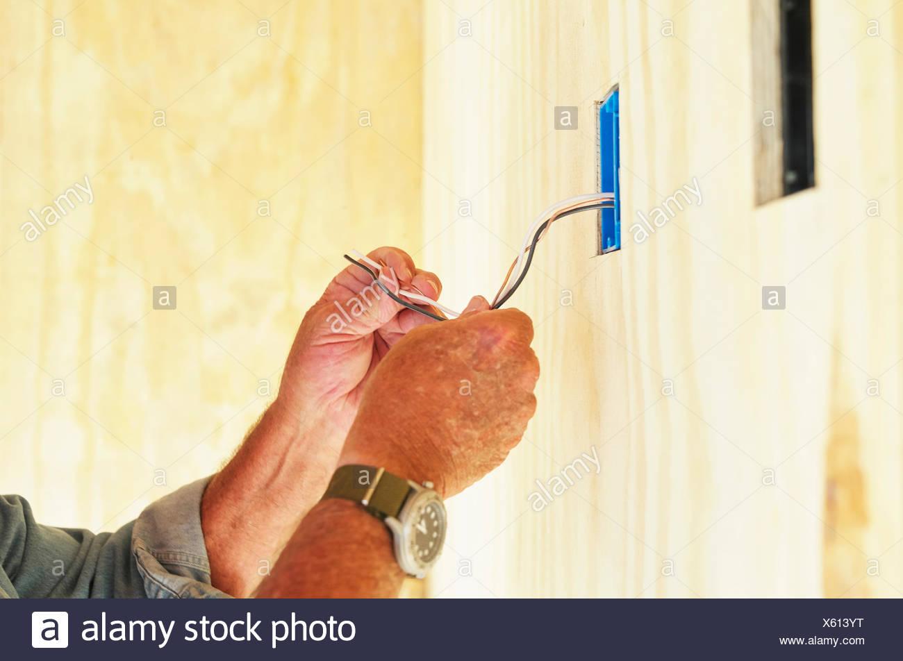 Ziemlich Installation Von Elektrischen Leitungen Zu Hause ...