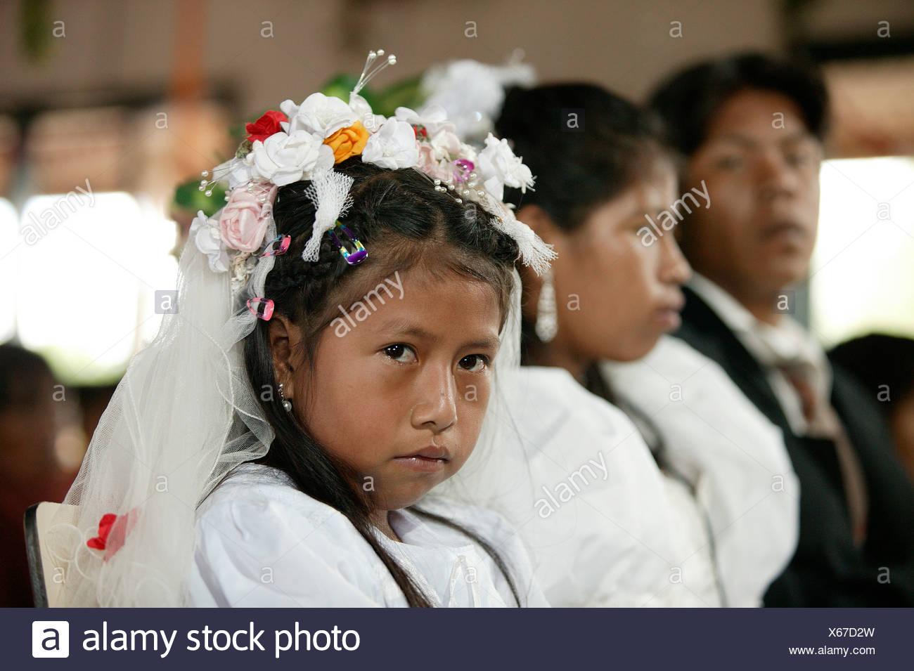 Braut Mit Blumenmadchen Indische Hochzeit Loma Plata Chaco