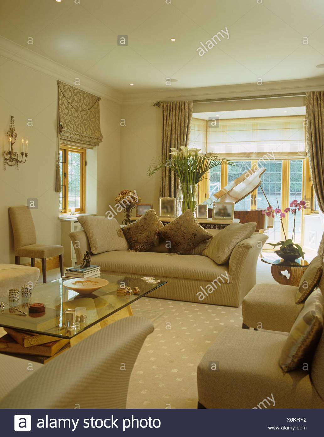 gardinen wohnzimmer erker. Black Bedroom Furniture Sets. Home Design Ideas