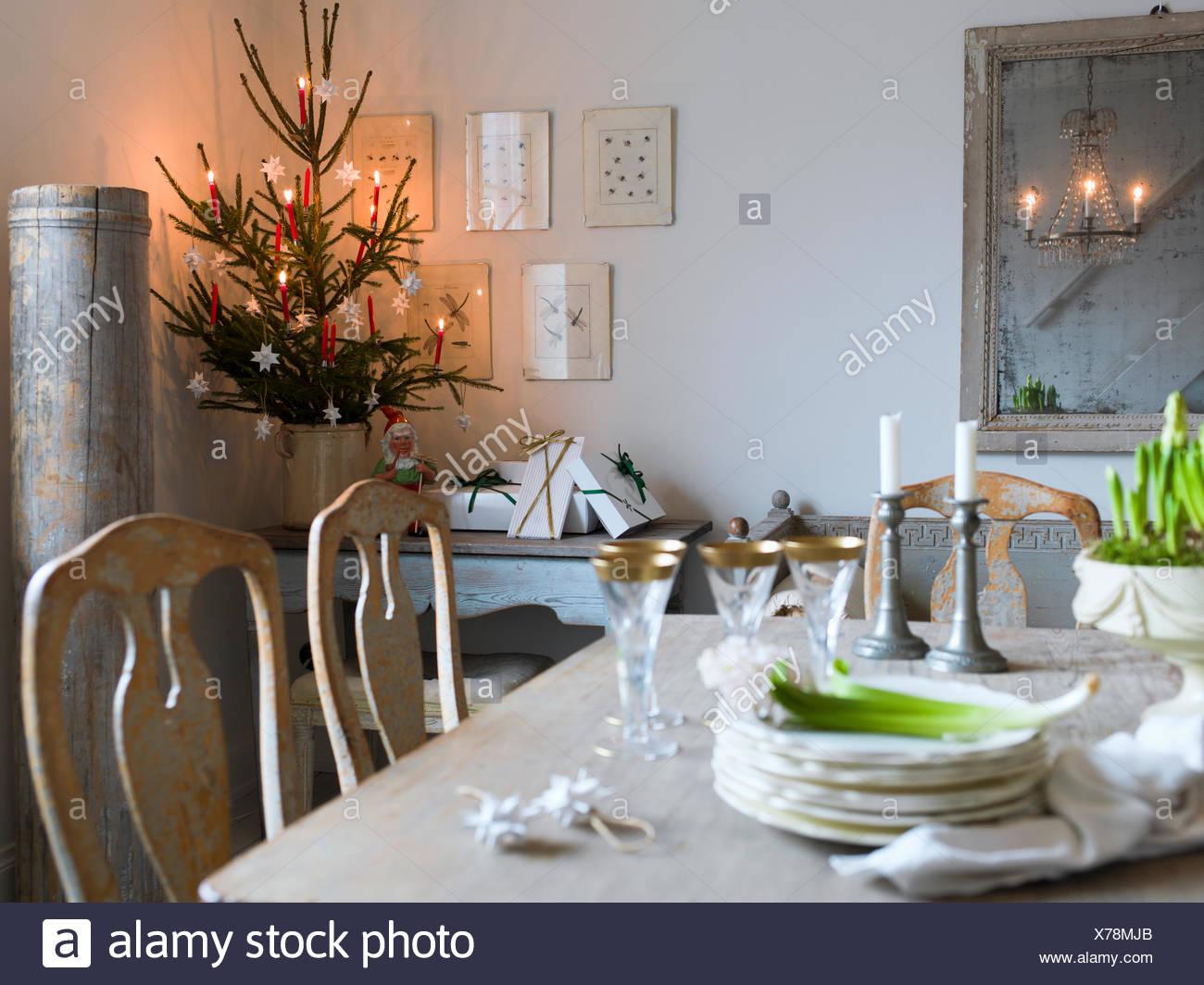 Liebenswert Esstisch Wohnzimmer Sammlung Von Schweden, Eleganter Und Weihnachtsbaum Im
