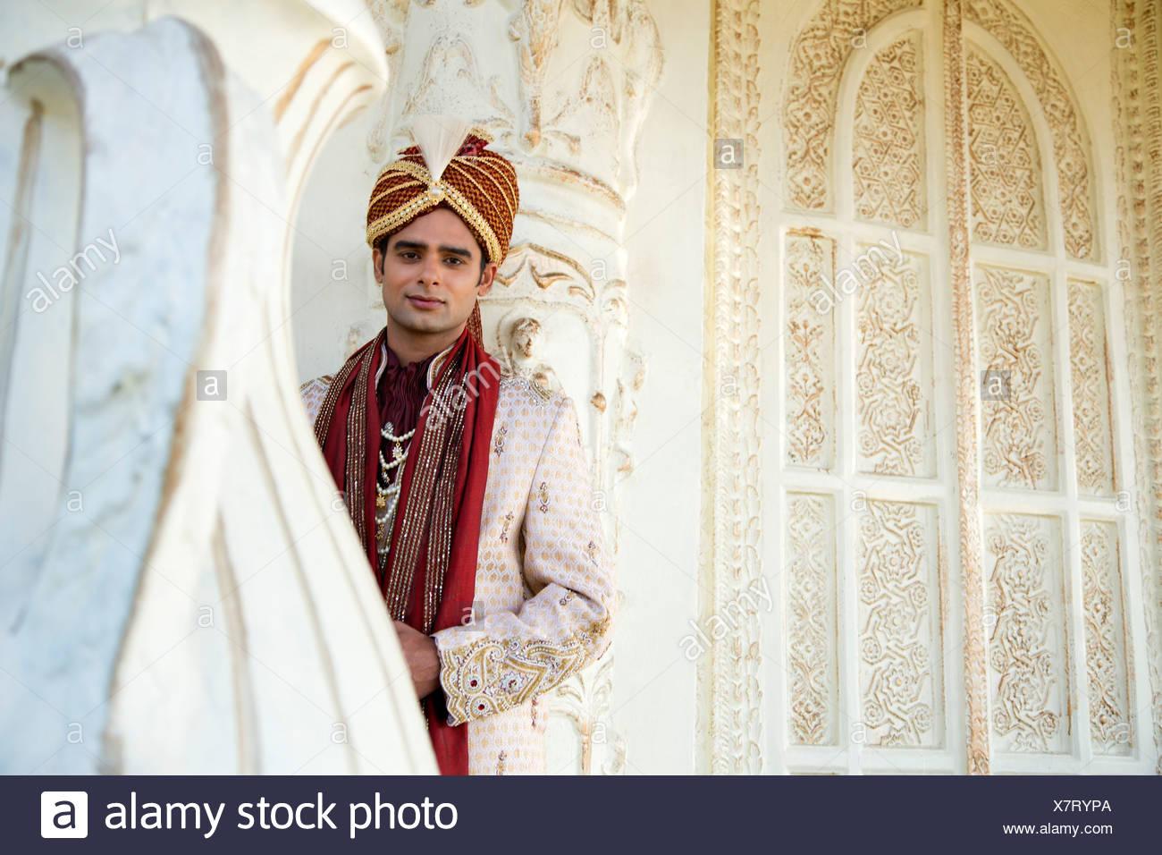 Fein Kareena Kapoor Hochzeit Outfit Königliche Und Traditionelle ...