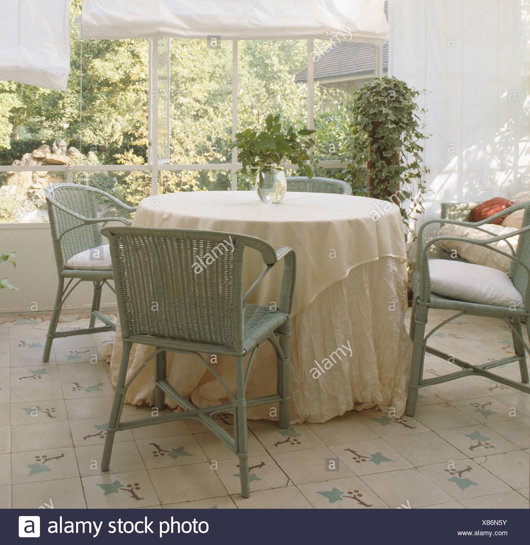 weier runder tisch free weisser esstisch runder tisch zum ausziehen ikea ausziehbar with weier. Black Bedroom Furniture Sets. Home Design Ideas