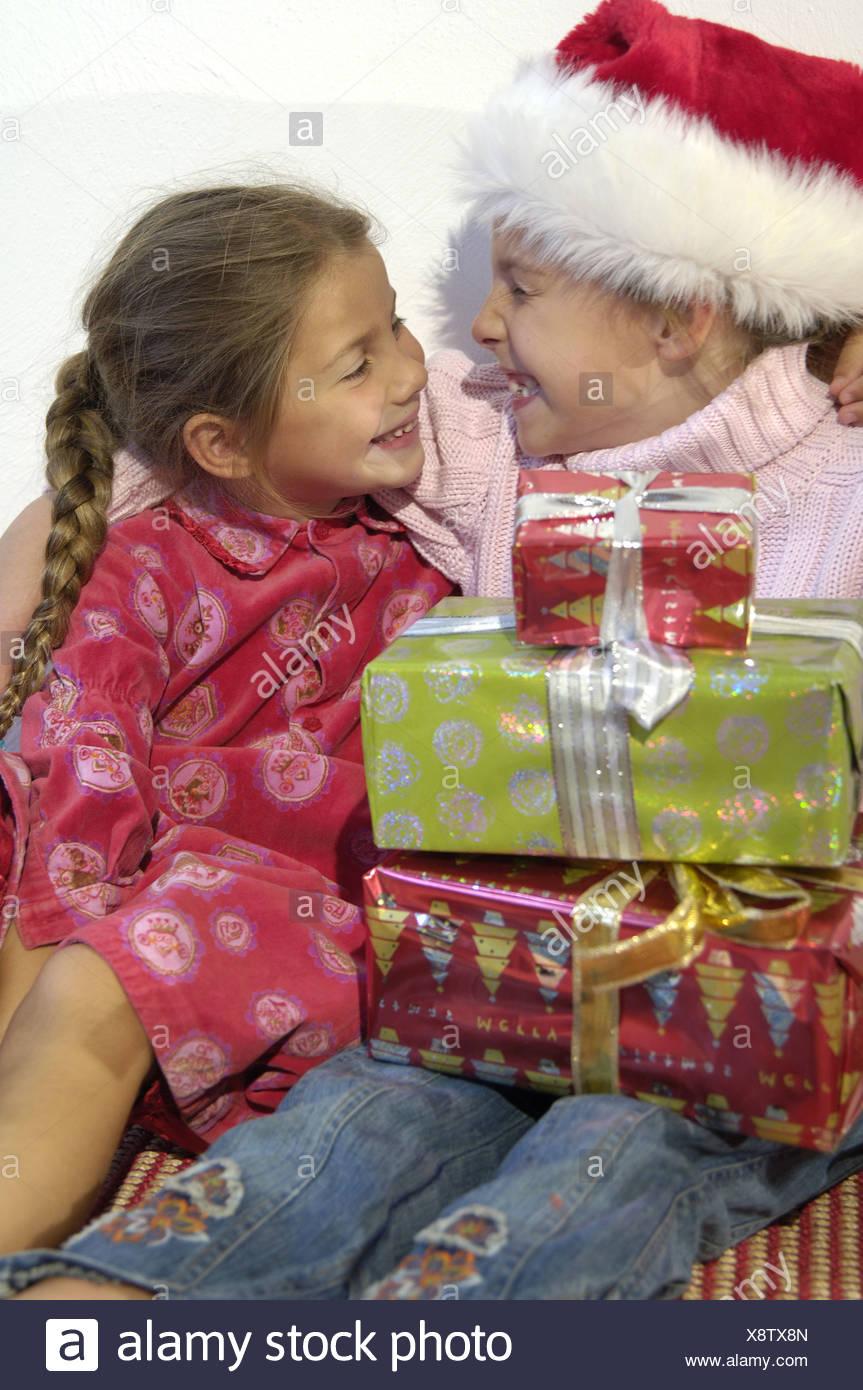 Weihnachten Heilig Abend lacht Geschenk Kinder Mädchen Nikolaus ...