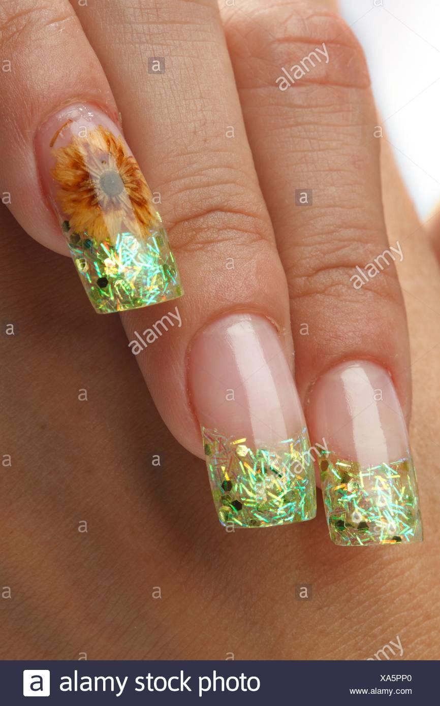 Entzückend Nägel Motive Dekoration Von Makeup Nägel Mit Floralen Motiven.