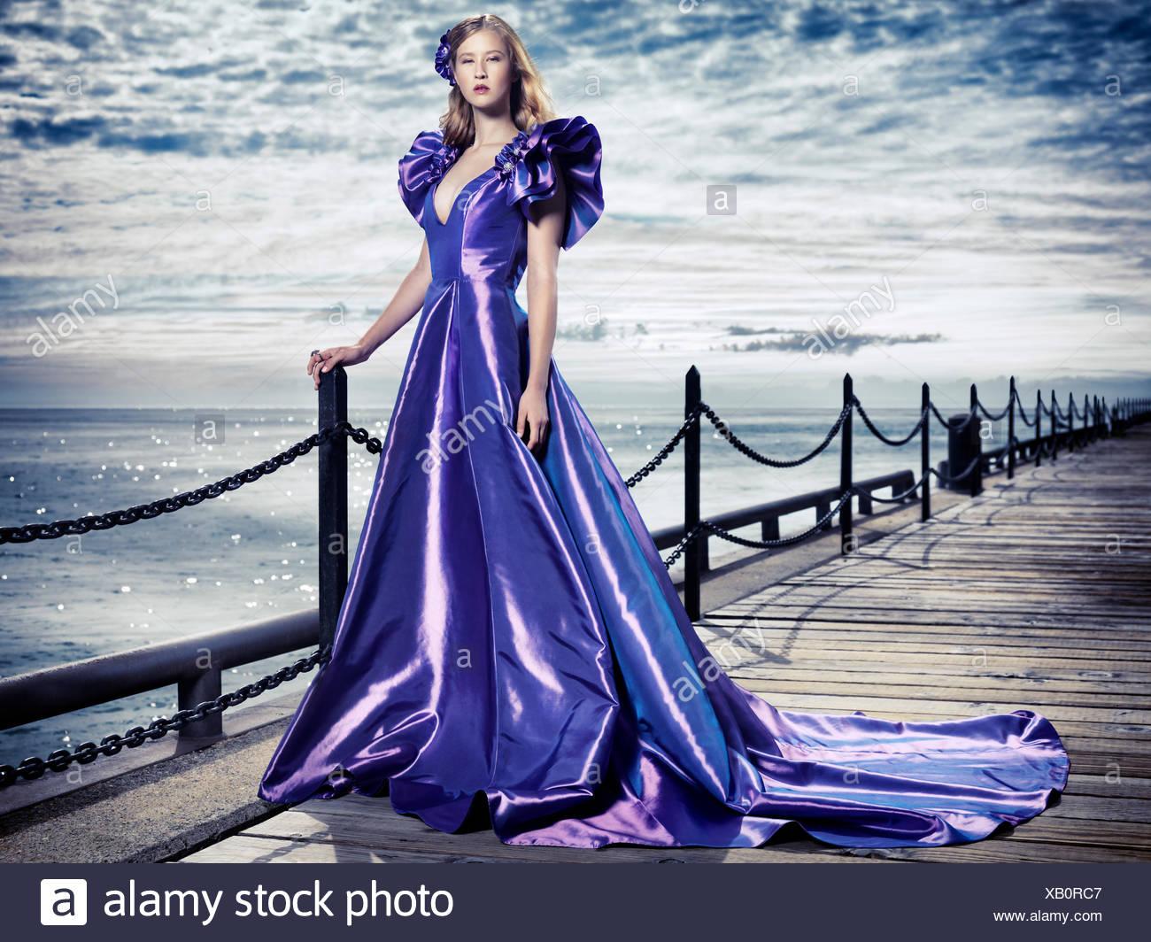 Evening_dress Imágenes De Stock & Evening_dress Fotos De Stock - Alamy