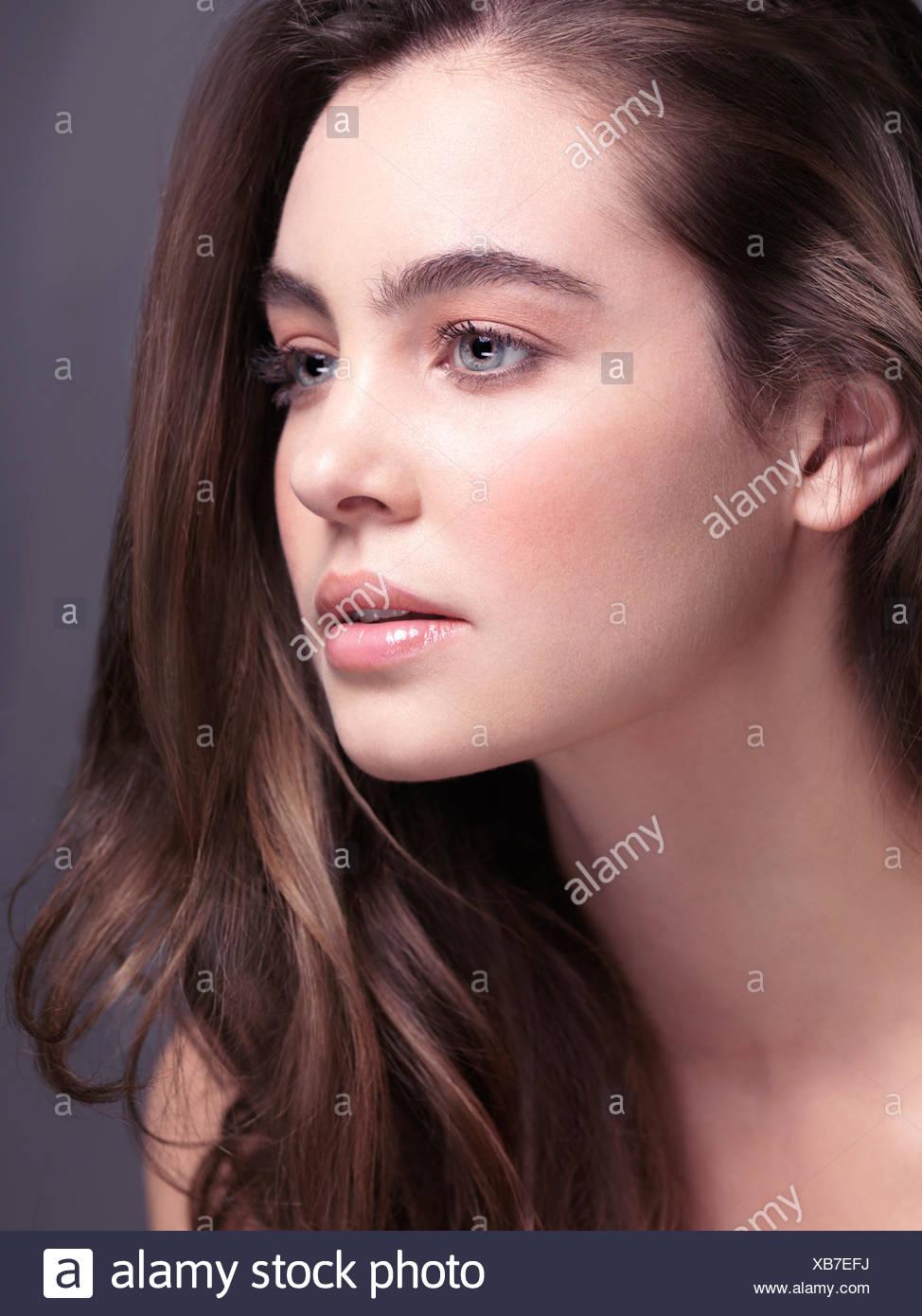 Weiblich Hellbraune Haare Und Braune Augen Beliebte