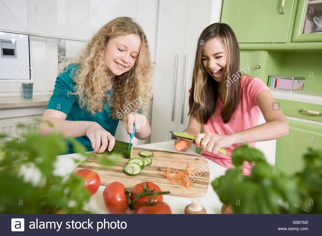Großzügig Hacken Chop Küche Galerie - Küchenschrank Ideen ...