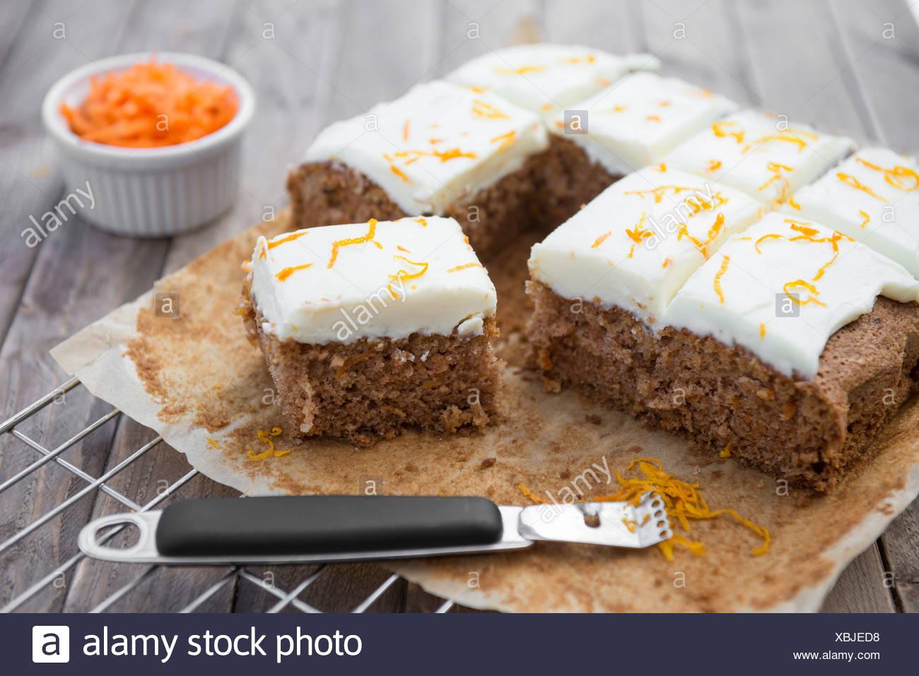 Karotte Kuchen Auf Ein Backblech Stockfoto Bild 282533588 Alamy