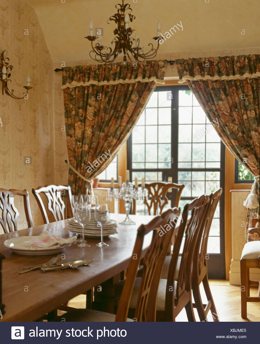 Tolle Land Küchentisch Und Stühle Uk Fotos - Ideen Für Die Küche ...