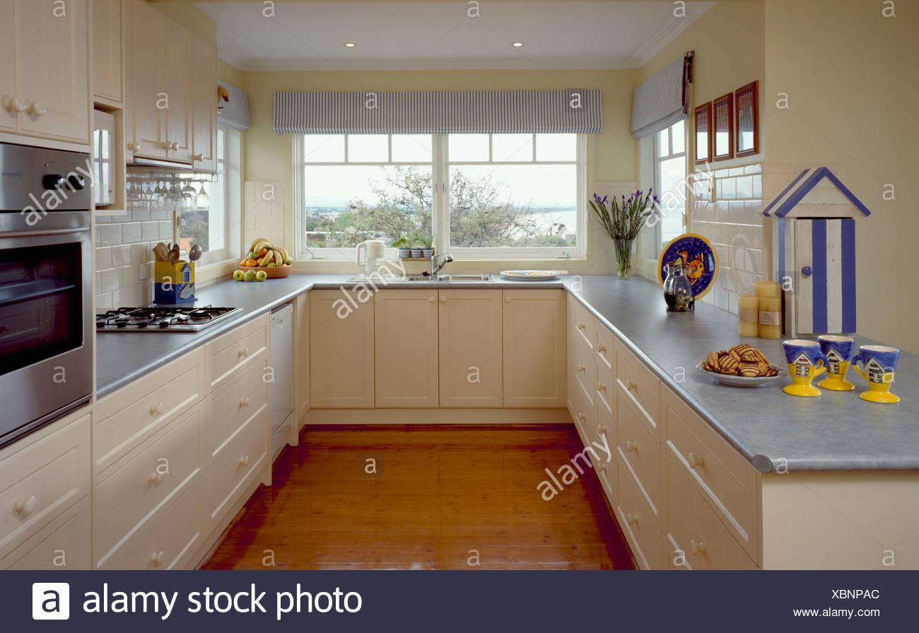 Arbeitsplatte Küche Zu Holzboden. Küche Sale Hängeschrank Teller ...