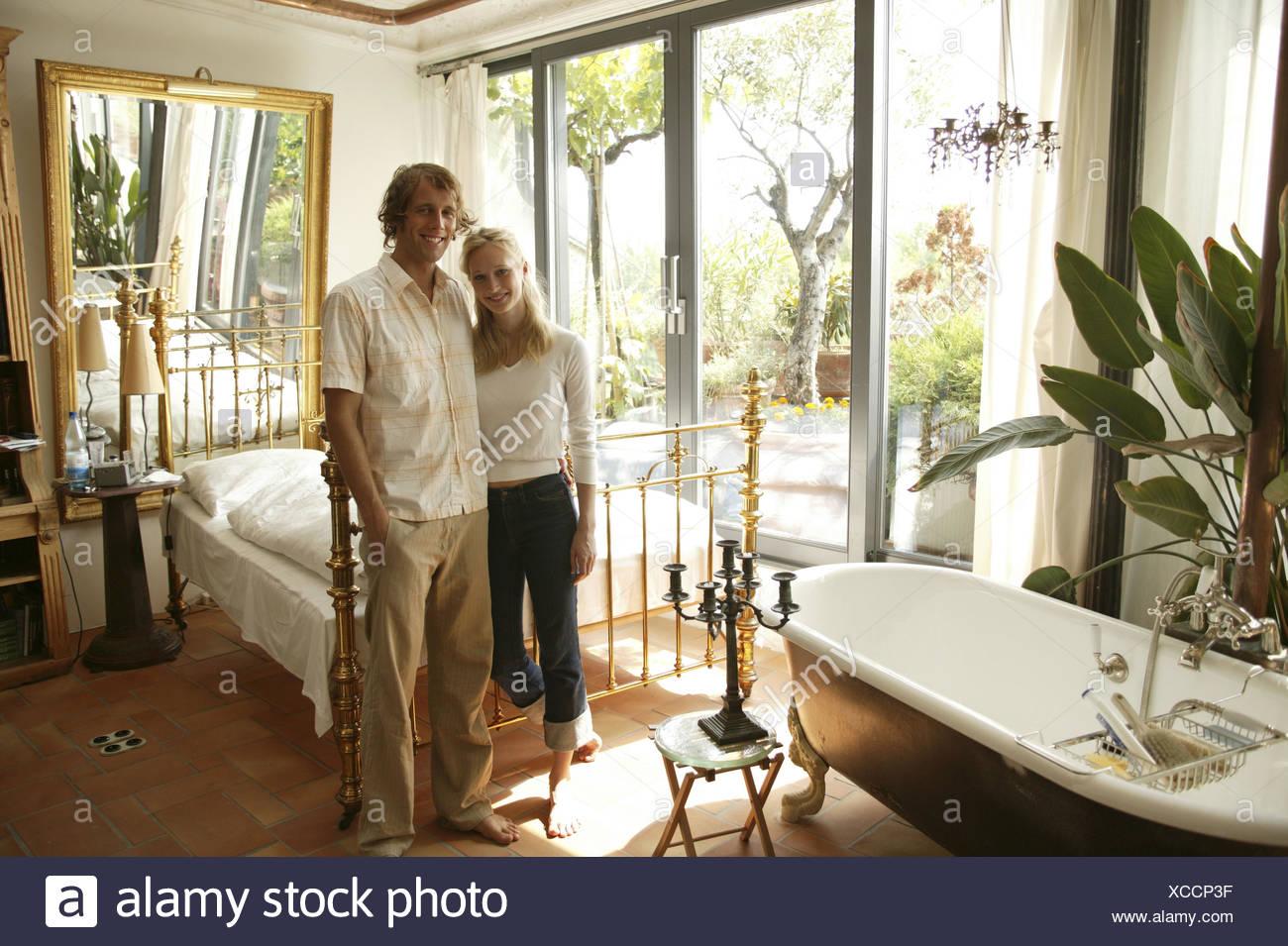 ... Glücklich, Leben, Ambiente, Zimmer, Wohnraum, Kabine, Flach, Klein,  Sicherheitsysteme, Schlafzimmer, Wirksamkeit, Setup, Messing Bett,  Badewanne, Alte, ...