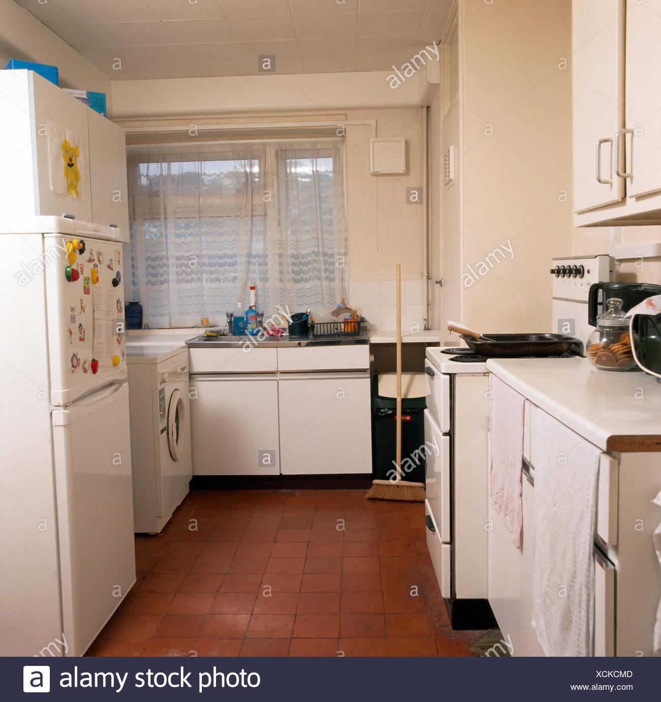 Altmodische Küche vor dem Umbau Stockfoto, Bild: 283168829 - Alamy