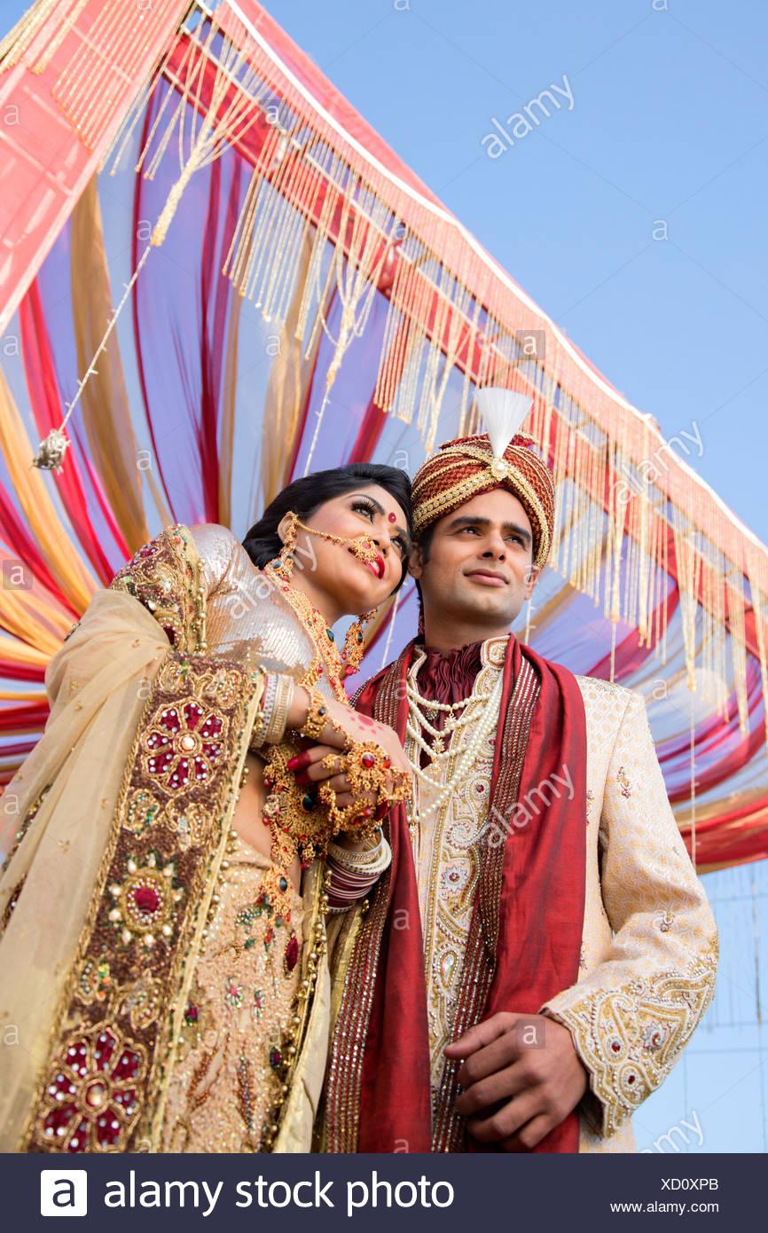 Großartig Braut Bräutigam Passt Indian Galerie - Brautkleider Ideen ...