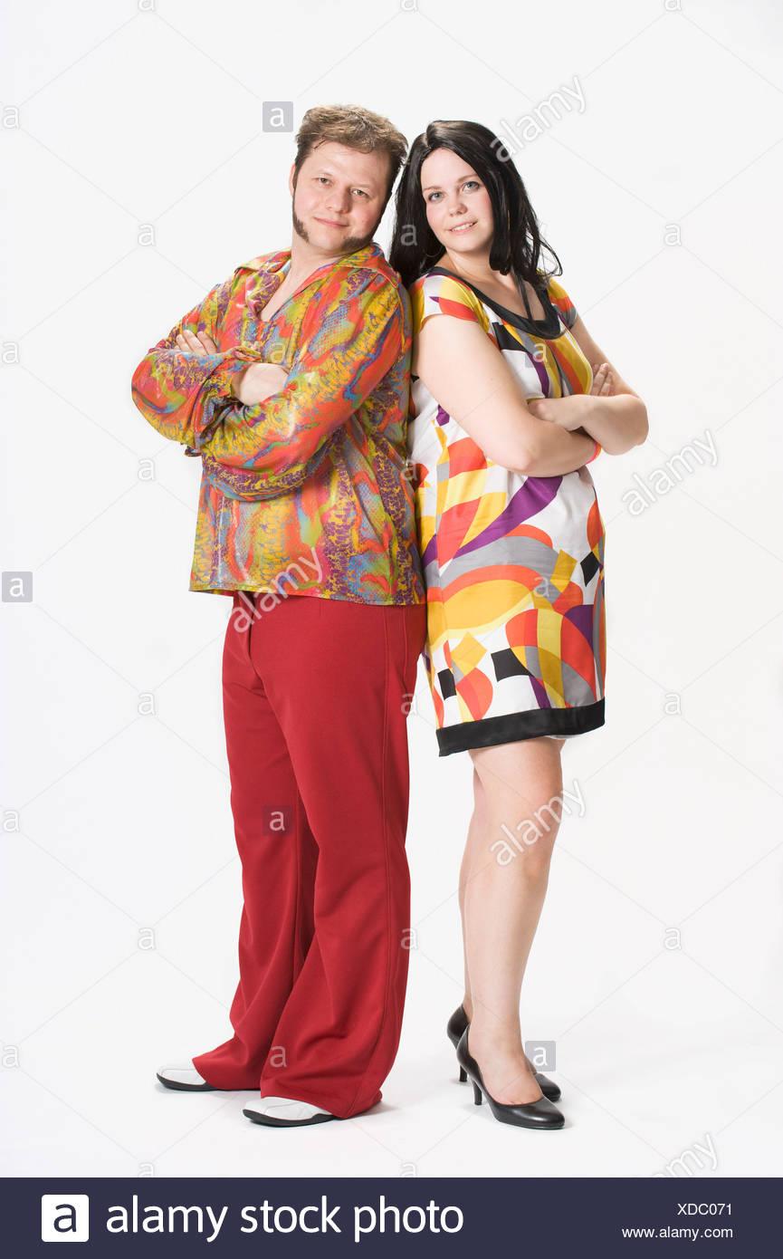 Paar In 70er Jahre Kleidung Gekleidet Stockfoto Bild 283620037 Alamy
