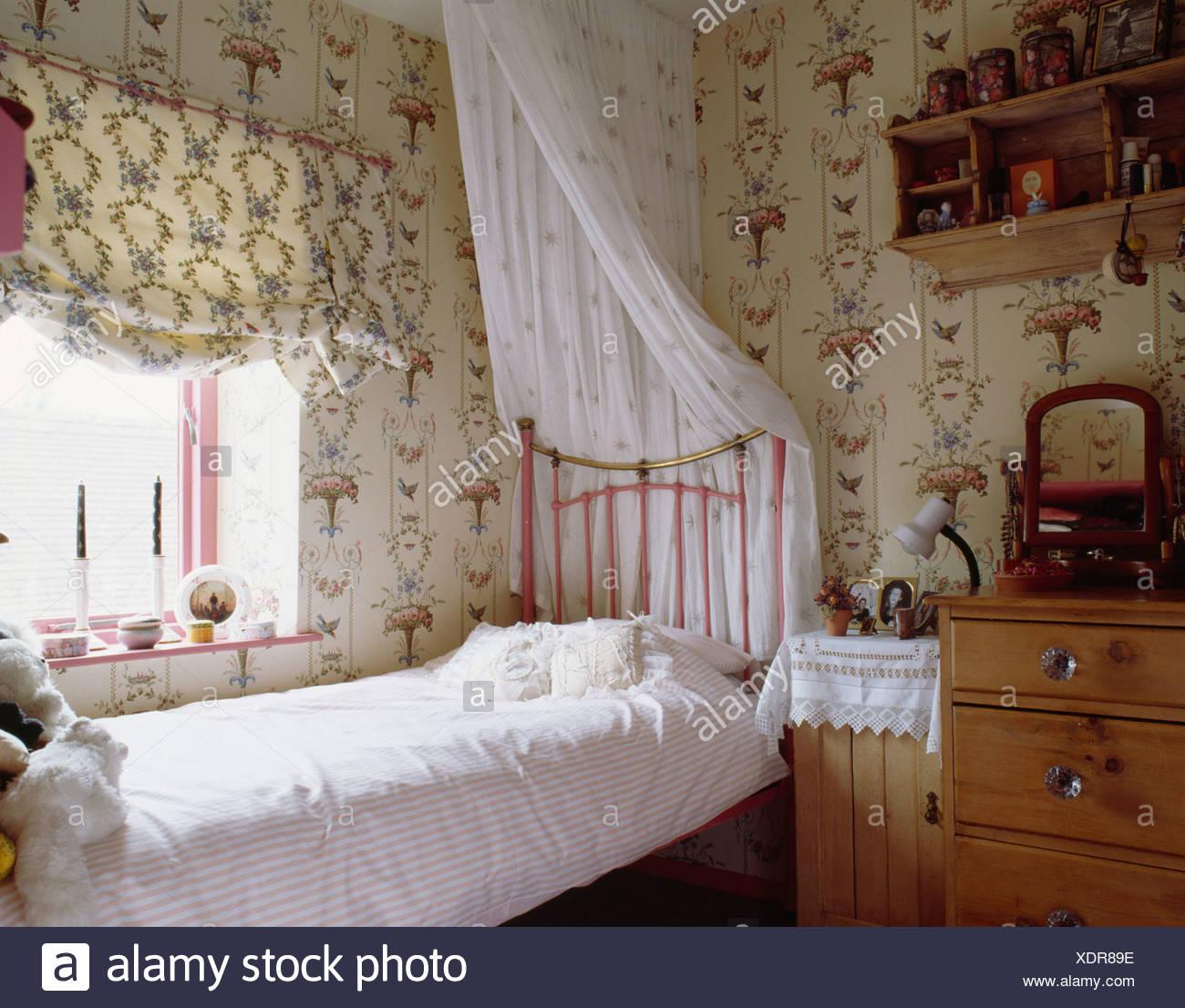 Mustertapeten Und Blind In Teenager M Dchen Schlafzimmer Mit Wei En