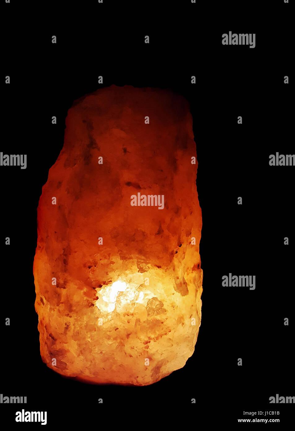 Himalayan Salt Lamps Dark : Himalayan Salt Lamp Stock Photos & Himalayan Salt Lamp Stock Images - Alamy