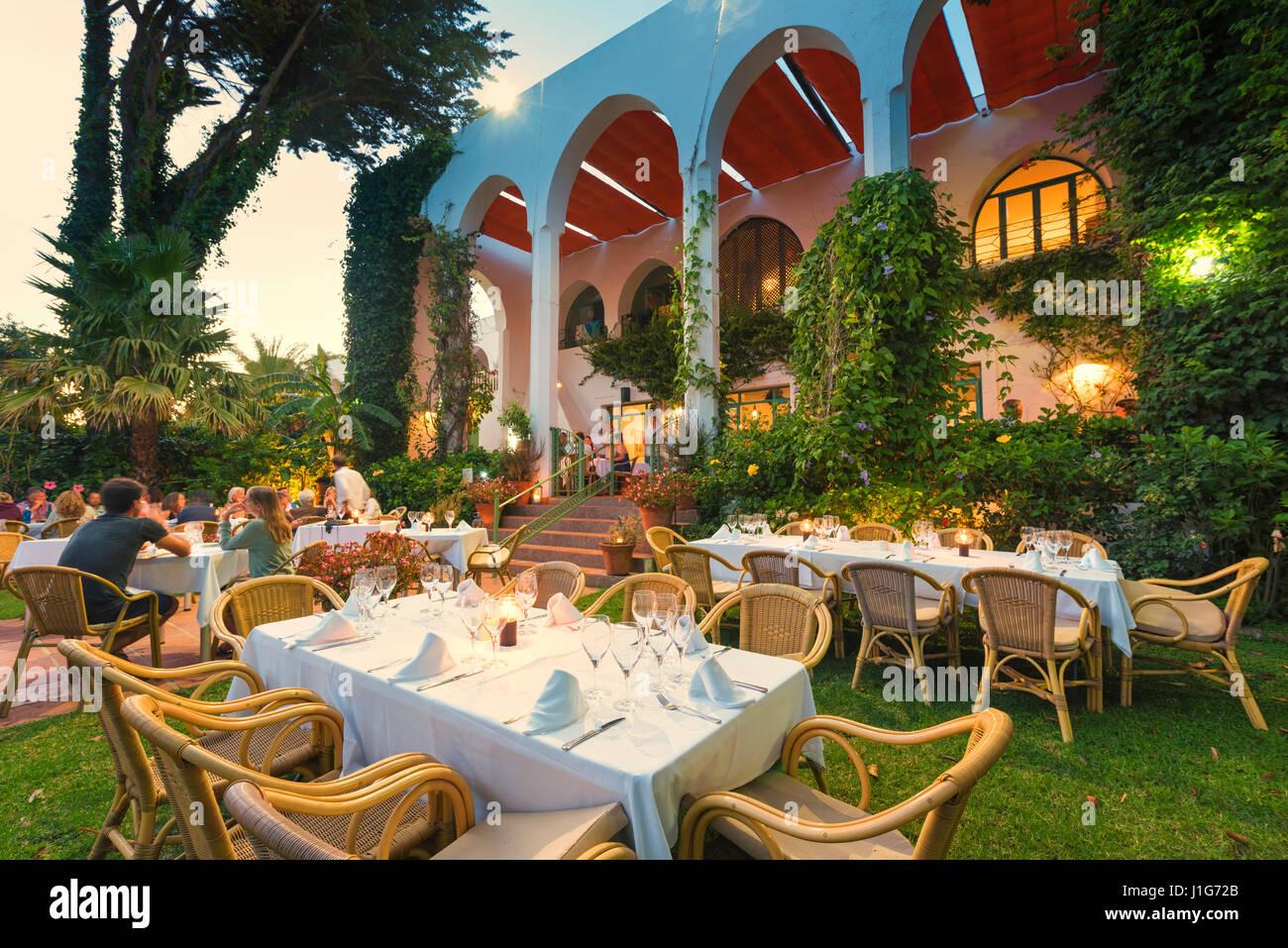 Hurricane hotel tarifa restaurant