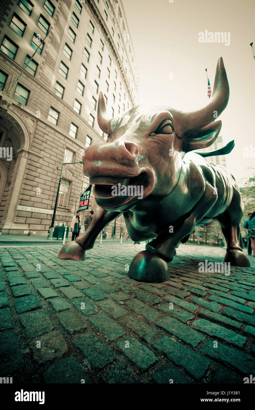 charging bull statue stock photos amp charging bull statue