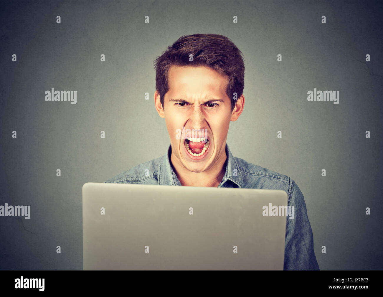 aggression as a negative There are numerous behaviors that can be classed as negative depending on the situation and activity, including lack of initiative, being irresponsible, aggression and playing the victim these negative behaviors can apply to work, learning habits or even dealing with things like addiction negative .