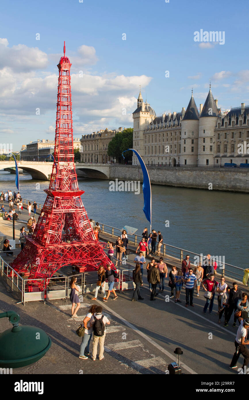 Outdoor cafe in paris with tower in background - France Paris Banks Of The Seine Paris Plage 2014 Edition