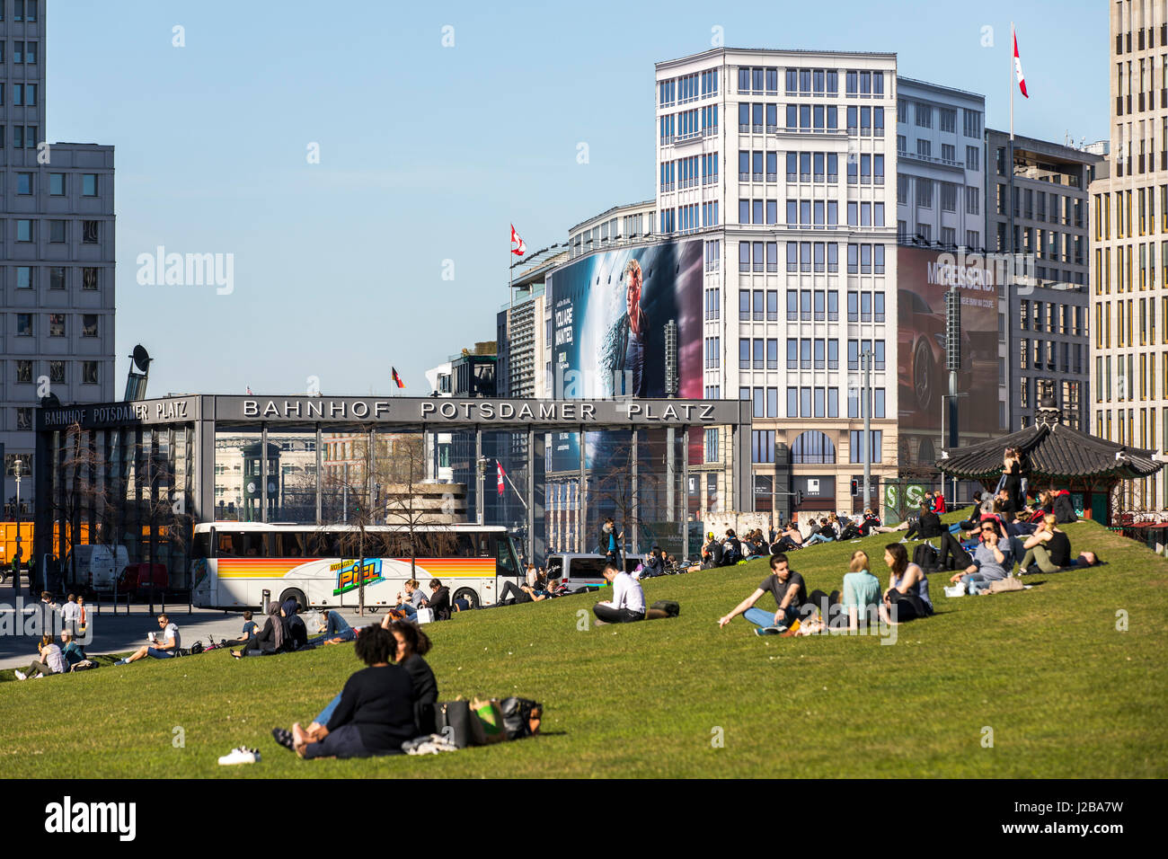 Berliner Platz 2 L Sungen park am gleisdreieck berlin germany stock photos park am gleisdreieck berlin germany stock