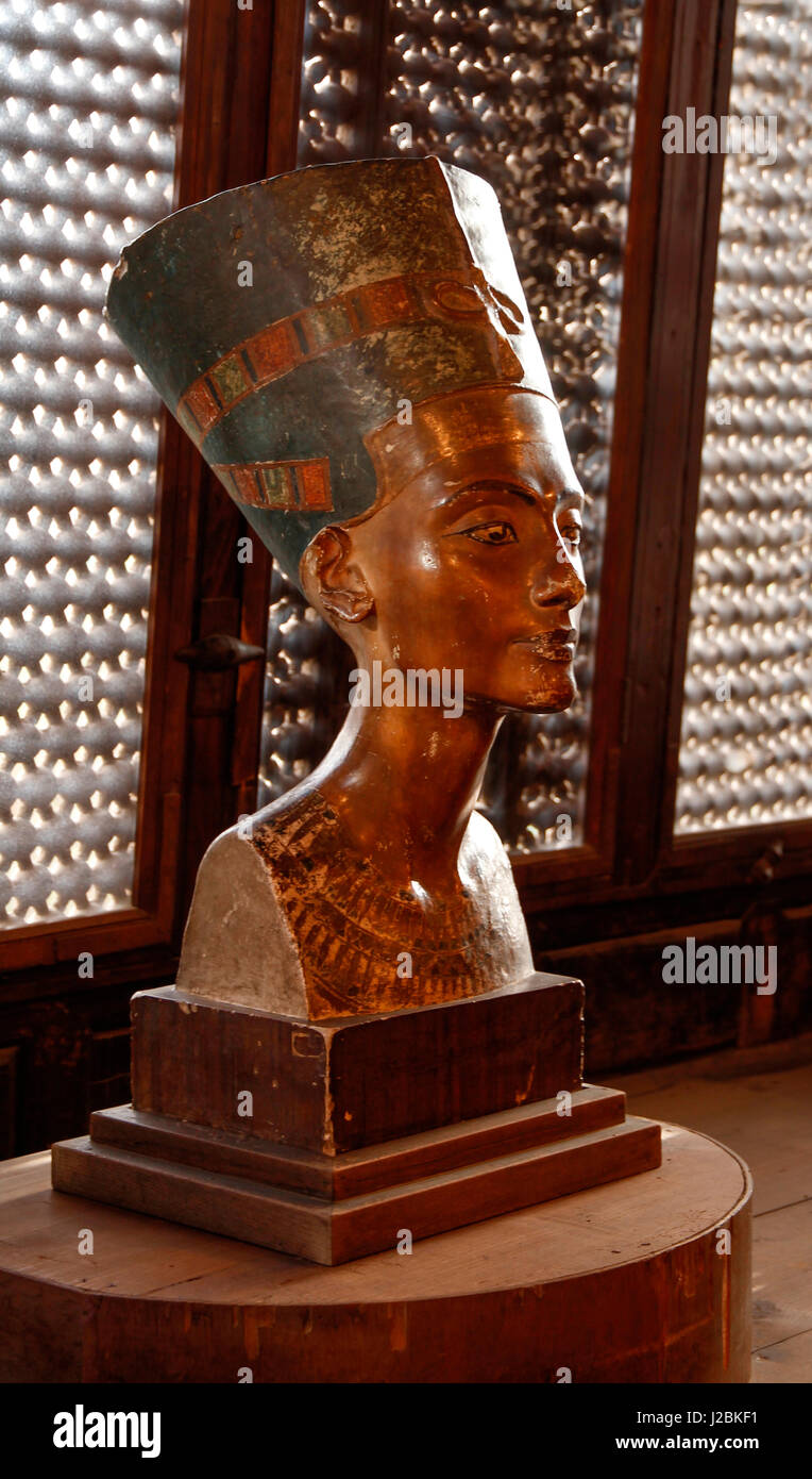 bust nefertiti rosicrucian egyptian museum Explore egypt's timeline, monuments and artifacts from different periods | the  rosicrucian egyptian museum houses the largest collection of egyptian artifacts .