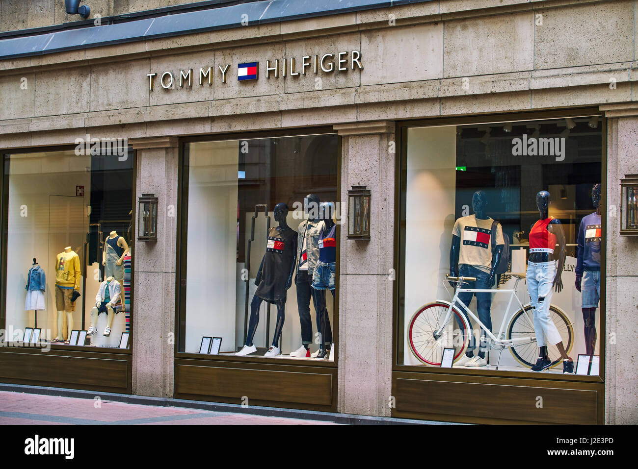 Find Tommy Hilfiger Outlet Locations * Store locations can change frequently. Please check directly with the retailer for a current list of locations before your visit.