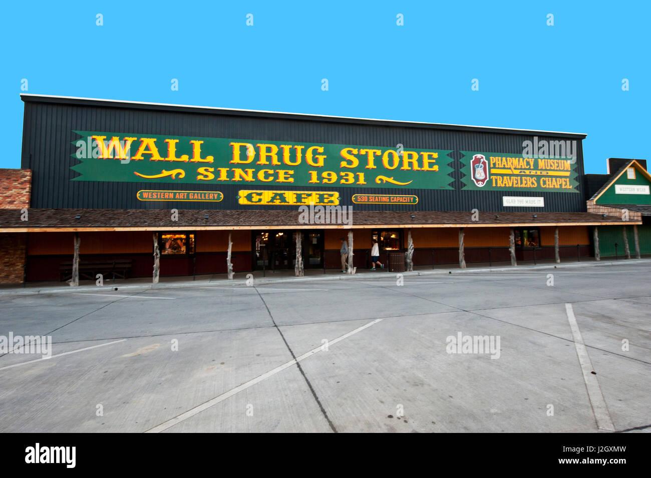 drug store exterior stock photos  u0026 drug store exterior