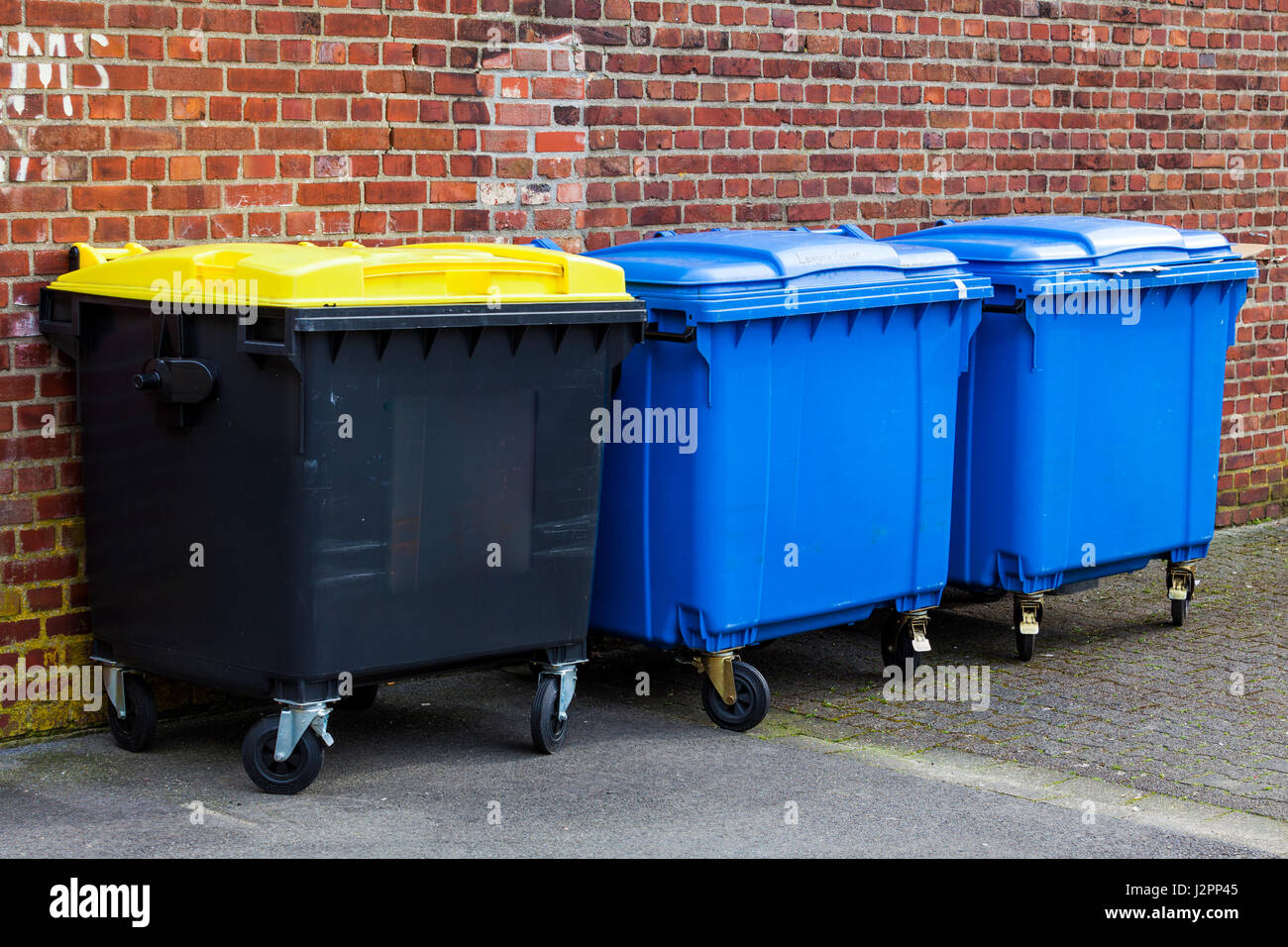 Wheely Bins Stock Photos Amp Wheely Bins Stock Images Alamy