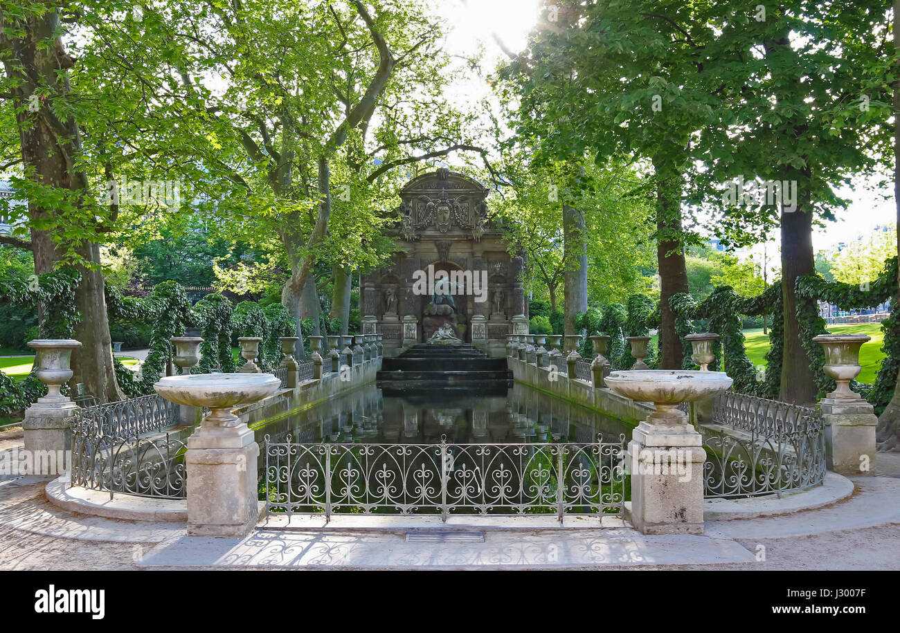 jardin de luxembourg stock photos jardin de luxembourg stock images alamy. Black Bedroom Furniture Sets. Home Design Ideas