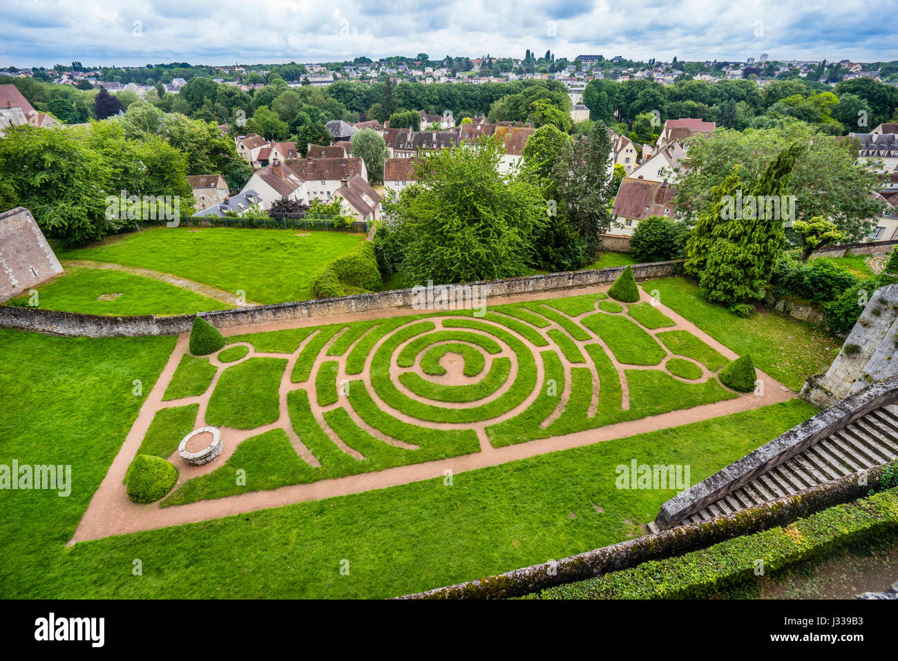 france centre val de loire chartres labyrinth garden at chartres cathedral with