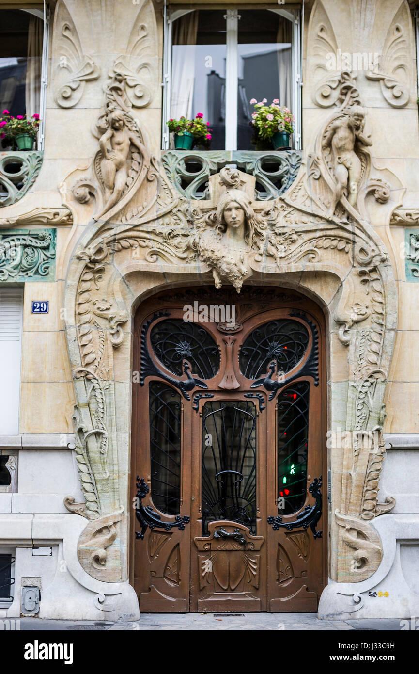 Rapp paris stock photos rapp paris stock images alamy for Deco francaise