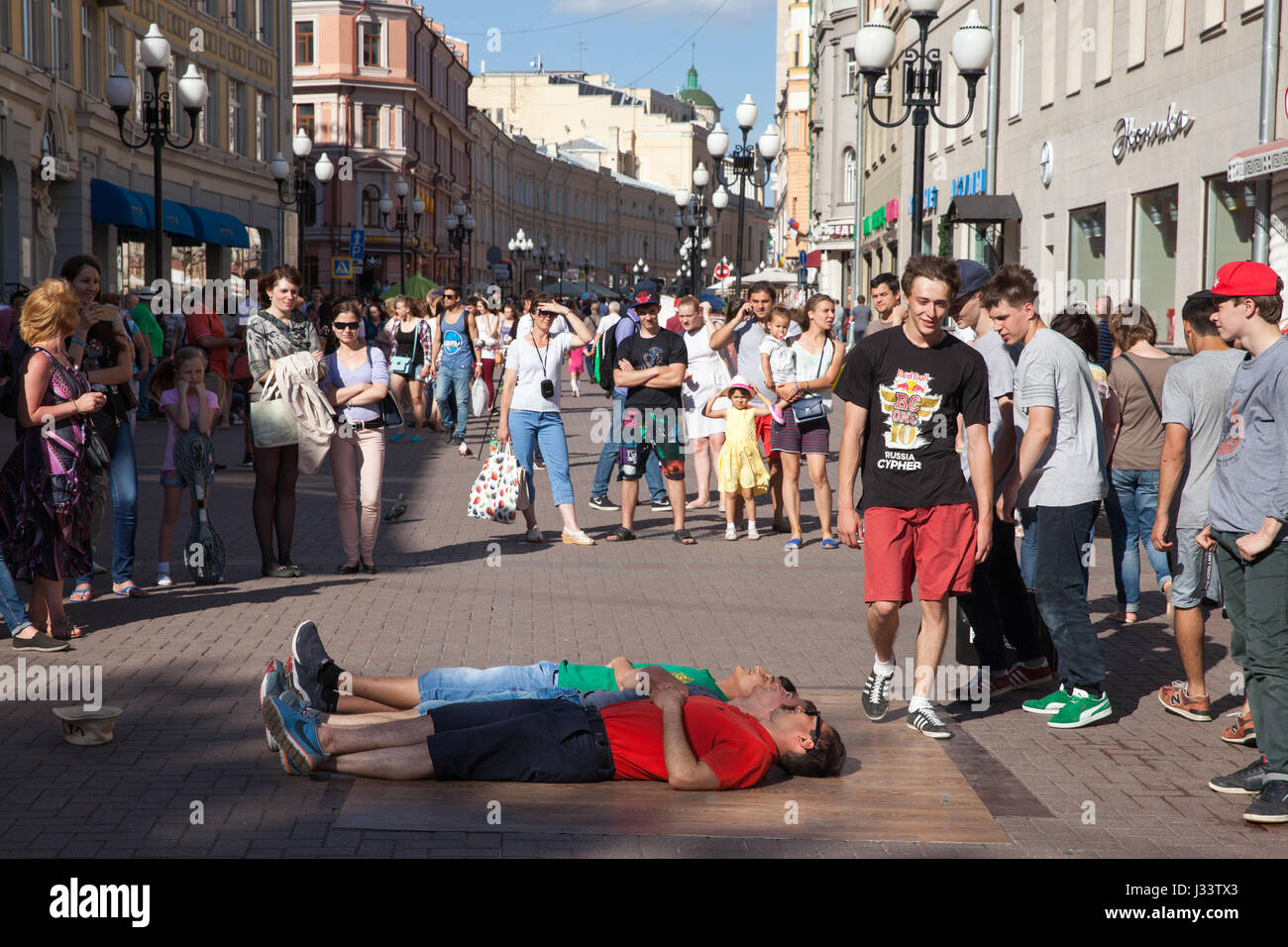 moscow guys Gay moscow travel guide 2018 with maps and listings for all gay bars and beaches, clubs and parties, saunas and cruising and hotels nearby.
