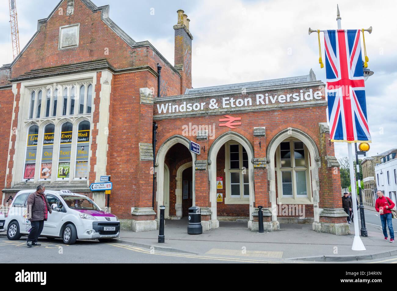 Windsor & Eton Riverside railway station   UK Transport ...